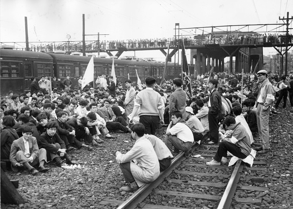 Security「Train Sit-In」:写真・画像(15)[壁紙.com]