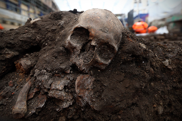 Place of Burial「Excavation Of 3000 Skeletons Continues At Crossrail Site」:写真・画像(17)[壁紙.com]