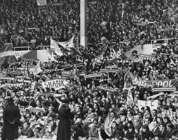 Liverpool F「Liverpool Fans」:写真・画像(1)[壁紙.com]