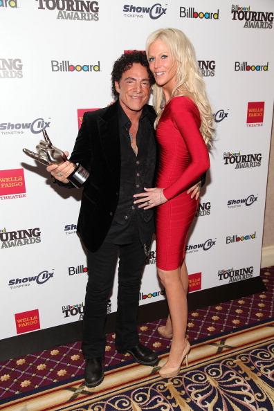 Neal Schon「2011 Billboard Touring Awards」:写真・画像(4)[壁紙.com]