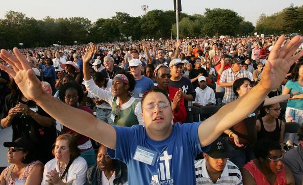 Human Arm「Billy Graham Takes His Crusade To New York City」:写真・画像(1)[壁紙.com]