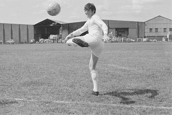 Dribbling - Sports「Leeds United F.C. Squad of 1969」:写真・画像(4)[壁紙.com]