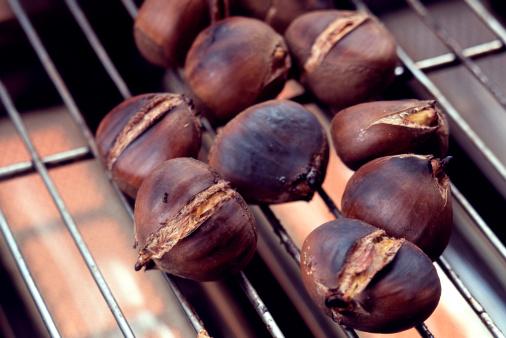 栗「Chestnuts Roasting」:スマホ壁紙(12)