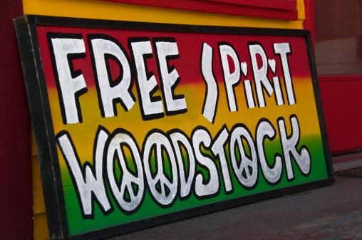 Music Festival「FREE SPIRIT WOODSTOCK sign photographed in Woodstock, New York」:スマホ壁紙(16)
