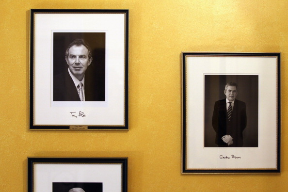 Picture Frame「Former Prime Minister Gordon Brown's Photograph Is Hung Inside 10 Downing Street」:写真・画像(1)[壁紙.com]