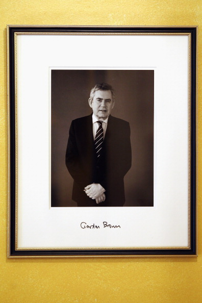 Picture Frame「Former Prime Minister Gordon Brown's Photograph Is Hung Inside 10 Downing Street」:写真・画像(14)[壁紙.com]