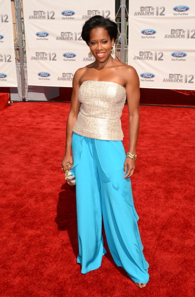 Multi Colored Purse「2012 BET Awards - Arrivals」:写真・画像(14)[壁紙.com]