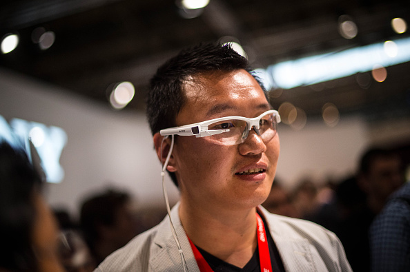 Wearable Computer「Mobile World Congress 2015 - Day 1」:写真・画像(12)[壁紙.com]