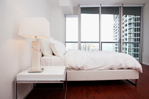 Miami「Windows, night table and bed in modern bedroom」:スマホ壁紙(9)