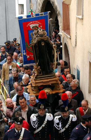 Art Product「Traditional Snake Procession Takes Place In Italy」:写真・画像(14)[壁紙.com]