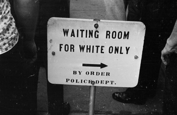 Racism「Separate Waiting」:写真・画像(11)[壁紙.com]