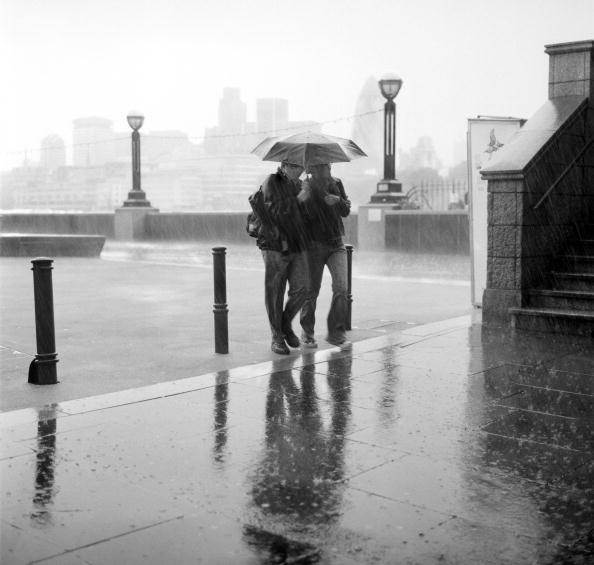 Torrential Rain「Rainy City」:写真・画像(0)[壁紙.com]