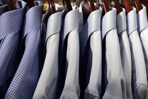 Formalwear「Dress shirts on a hanging rack」:スマホ壁紙(10)