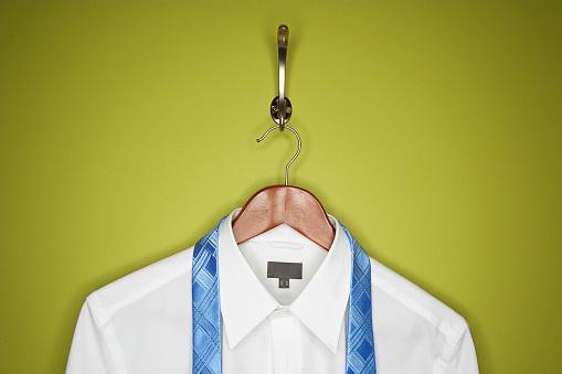 Well-dressed「Dress shirt and tie on hanger」:スマホ壁紙(3)