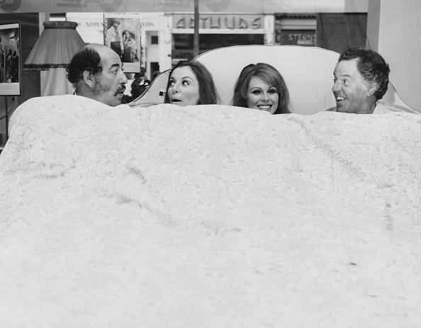 Celebrities「Alfred Marks, Deborah Grant, Joanna Lumley And Brian Rix」:写真・画像(8)[壁紙.com]