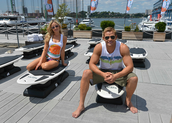 "Larry Busacca「Kellan Lutz & Katrina Bowden Host Op's ""Surf for Life"" Event」:写真・画像(5)[壁紙.com]"