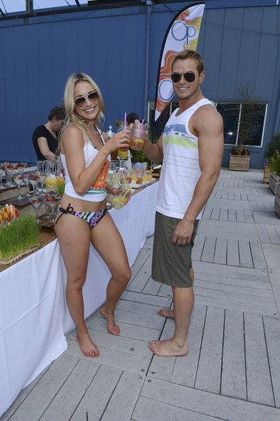 "Larry Busacca「Kellan Lutz & Katrina Bowden Host Op's ""Surf for Life"" Event」:写真・画像(8)[壁紙.com]"