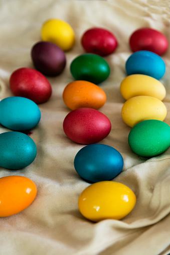イースター「Multi-colored Easter eggs」:スマホ壁紙(9)