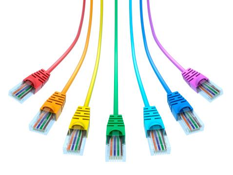 虹「マルチカラーのネットワークケーブル-絶縁、クリッピングパス」:スマホ壁紙(2)