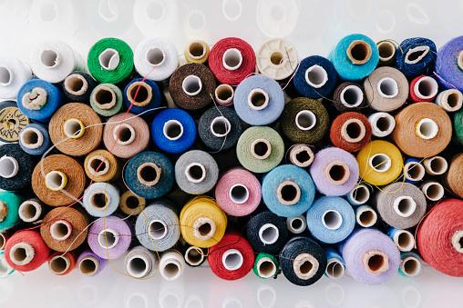カラフル「Multicolored cotton reels」:スマホ壁紙(2)