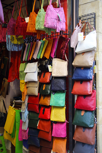 Multi Colored Purse「Multicolored bags and purses for sale, San Gimignano, Italy.」:スマホ壁紙(12)