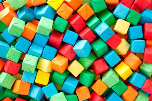 Conformity「Multicolored paper cubes」:スマホ壁紙(10)