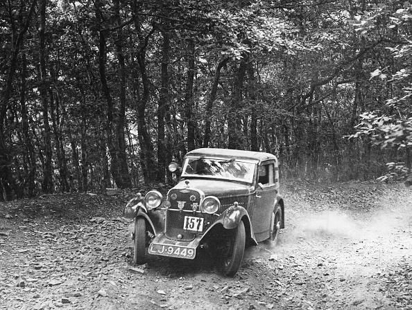 Sport「1934 Singer Nine Sports Coupe, Fingle hill」:写真・画像(9)[壁紙.com]