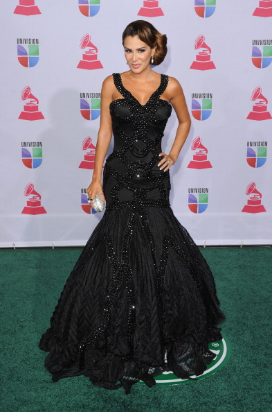 Halter Top「The 13th Annual Latin GRAMMY Awards - Arrivals」:写真・画像(0)[壁紙.com]