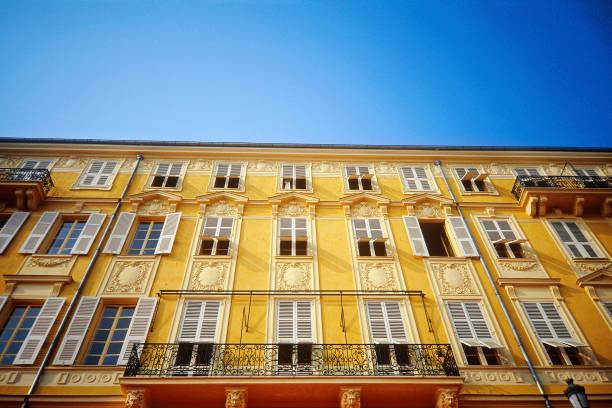 Apartment building facade. Nice, France.:ニュース(壁紙.com)