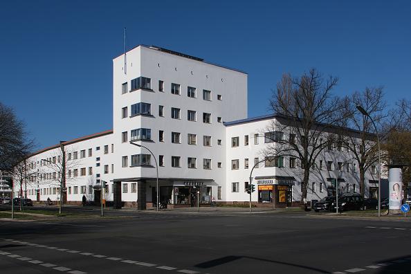 Apartment「Original Bauhaus Buildings In And Around Berlin」:写真・画像(14)[壁紙.com]
