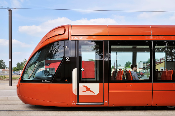 Modern「France, Le Mans, modern Tramway」:写真・画像(11)[壁紙.com]