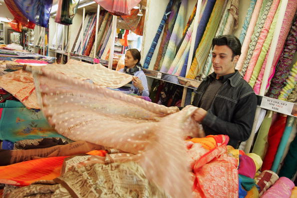 Textile「Indian-American Community Thrives In Chicago」:写真・画像(9)[壁紙.com]