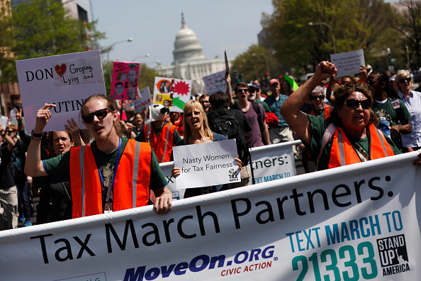 Aaron P「Tax Day Activists Hold Marches In Major U.S. Cities」:写真・画像(6)[壁紙.com]