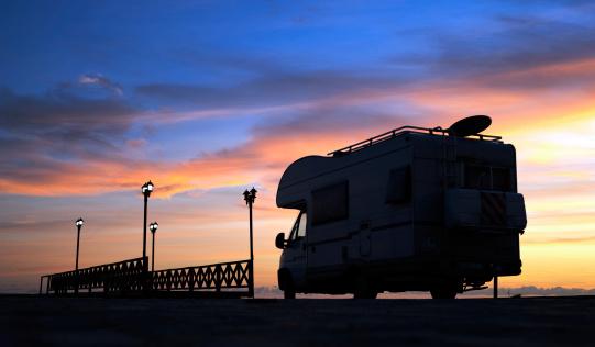 Antenna - Aerial「Caravan on the road and bridge at sunset」:スマホ壁紙(7)