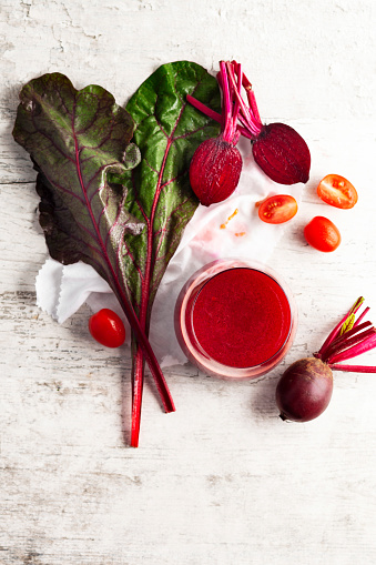 Vegetable Juice「Beetroot juice and fresh beetroot,Detox vegan smoothies from raw beets and tomato」:スマホ壁紙(13)