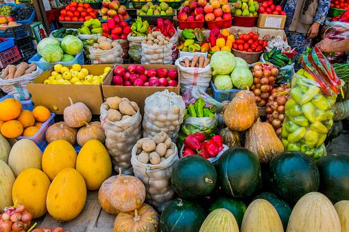 スイカ「Variety of fresh fruit and vegetables at market」:スマホ壁紙(15)