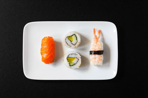 Square Plate「Variety of Nigiri Sushi and Inside-Out on plate」:スマホ壁紙(0)