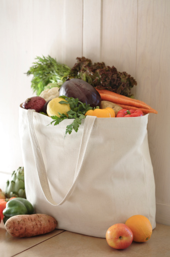 Environmental Conservation「Variety of vegetables in reusable bag」:スマホ壁紙(1)