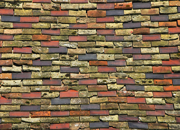 Full Frame「Variety of new and old roof tiles, Cambridgeshire」:写真・画像(2)[壁紙.com]