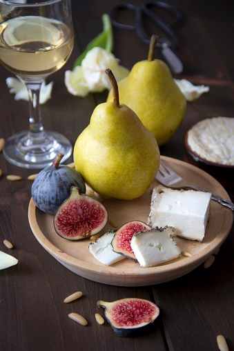Pine Nut「Variety of cheese, wine, pears, figs and pine nuts」:スマホ壁紙(18)