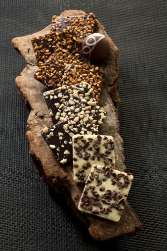 Praline「Variety of Praline chocolates, close up」:スマホ壁紙(13)