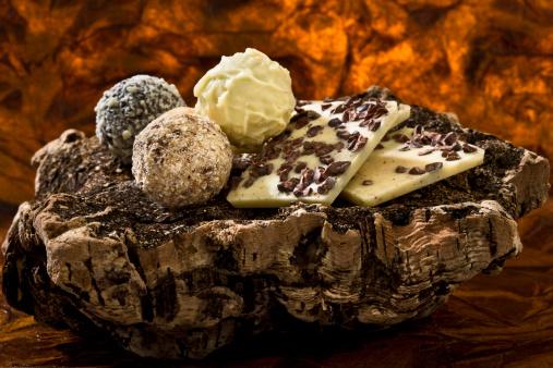 Praline「Variety of Praline chocolates, close up」:スマホ壁紙(1)