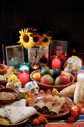 Altar「Variety of Mexican celebratory foods」:スマホ壁紙(15)