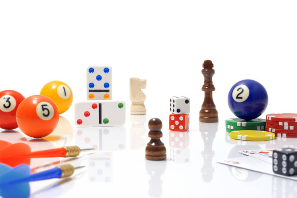 Variety of Game Pieces on White Background:スマホ壁紙(壁紙.com)