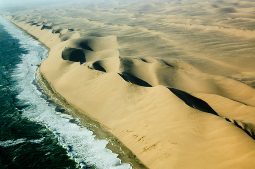Namibia「Sand and Water Waves 2」:スマホ壁紙(4)