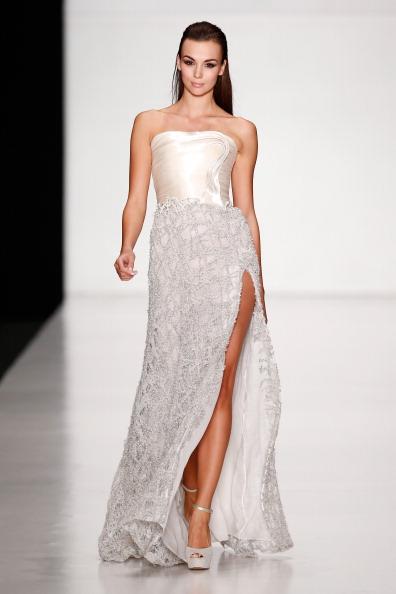 Crocus「Tony Ward By Atelier Crocus Couture : Mercedes-Benz Fashion Week Russia S/S 2014」:写真・画像(12)[壁紙.com]