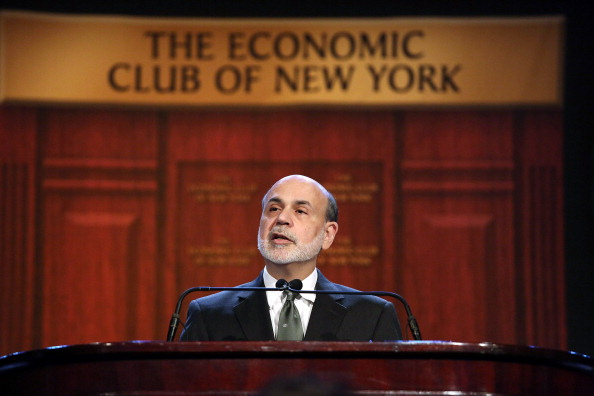 John Moore「Federal Reserve Chairman Ben Bernanke Speaks At New York Economic Club」:写真・画像(1)[壁紙.com]