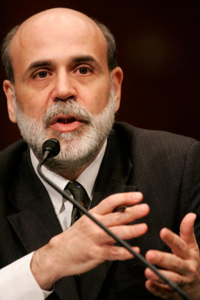 Alex Wong「Fed Chairman Ben Bernanke Testifies Before The Senate On Monetary Policy」:写真・画像(19)[壁紙.com]
