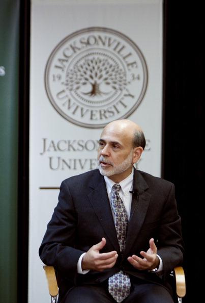 Mark Wallheiser「Ben Bernanke Discusses Economy At Jacksonville University」:写真・画像(18)[壁紙.com]