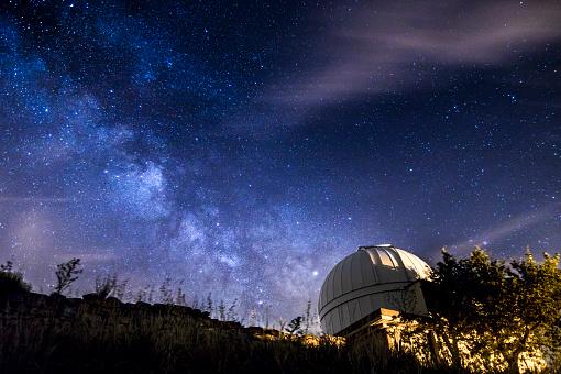 星空「フォレスト天体写真の夜の天の川」:スマホ壁紙(9)